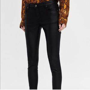 Zara woman coated skinny bottoms, never worn!